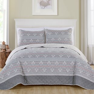 Bainsbury 3 Piece Reversible Quilt Set