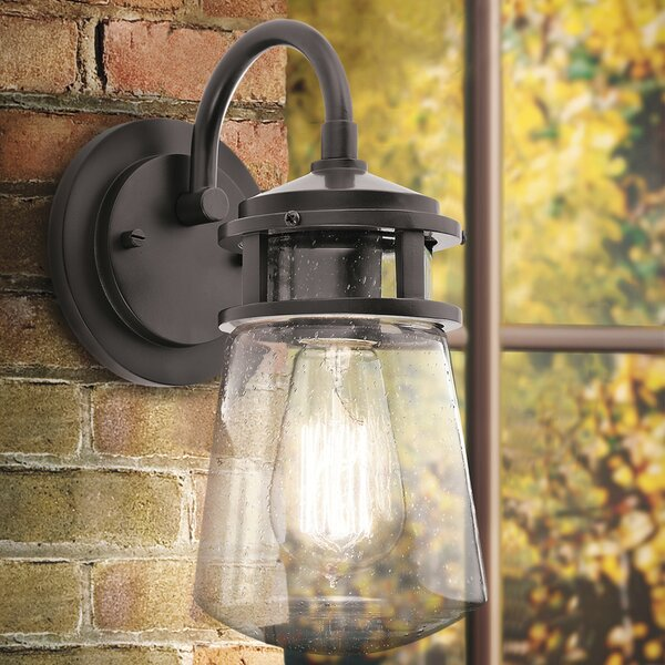 Trent Austin Design Pakwa 1 Light Outdoor Wall Lantern