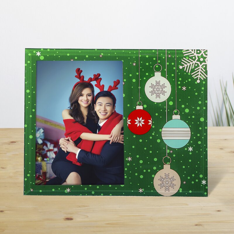 The Holiday Aisle Holiday Ornament Picture Frame & Reviews | Wayfair