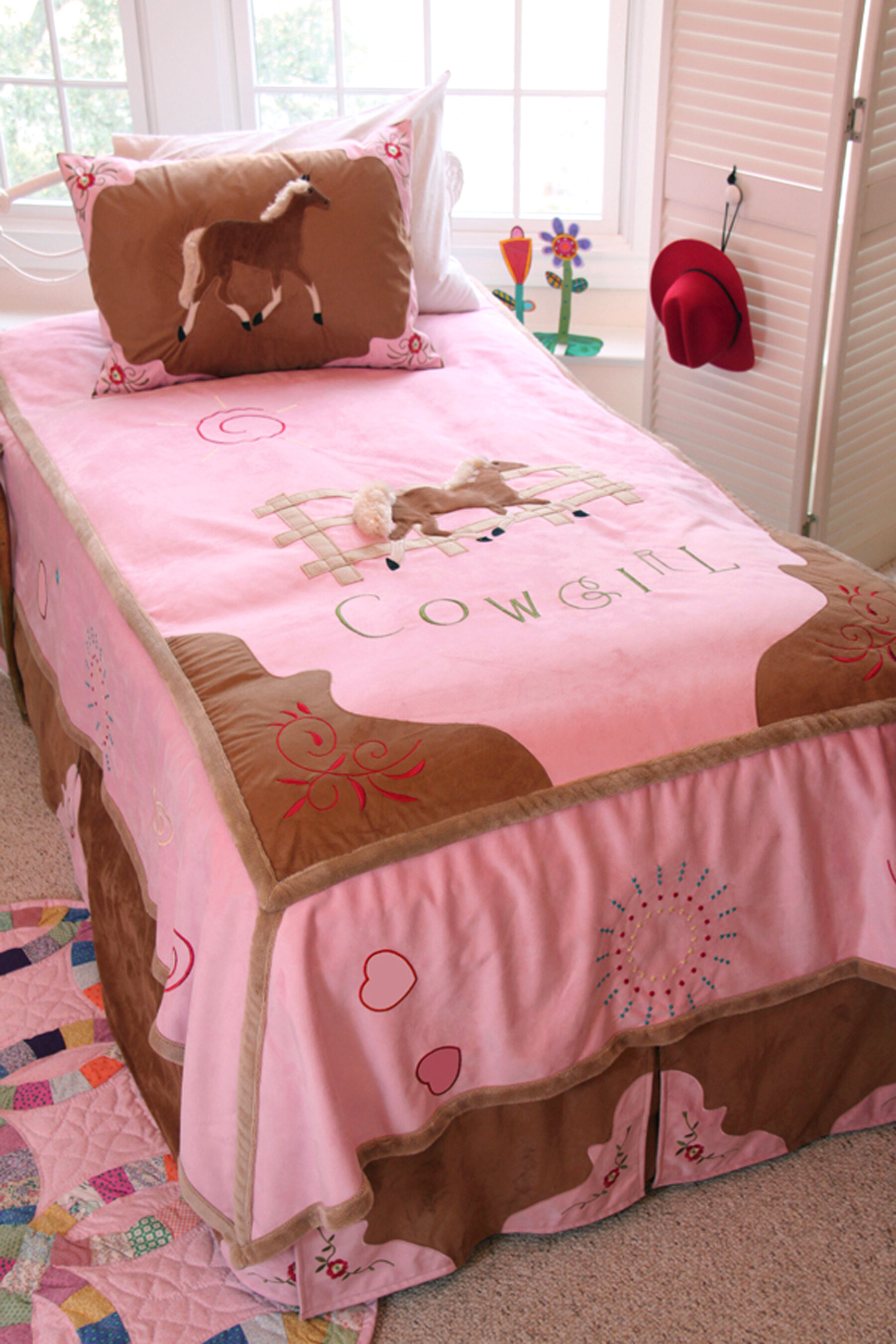 Zoomie Kids Jerald Cowgirl Kids Twin Bed in Bag Collection
