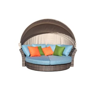 Linton Outdoor Expandable Oval Daybed
