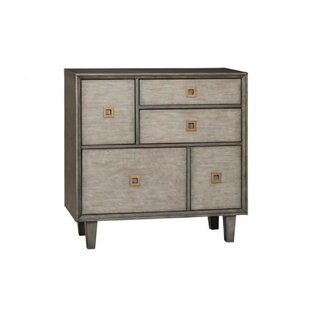 Darcy 3 Drawer Accent Chest by Everly Quinn