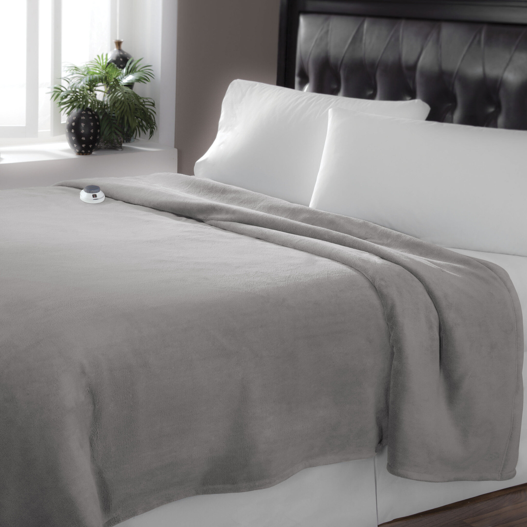 7f4756dec2 SFTH Low Voltage Technology Heated Electric Luxe Plush Warming Blanket    Reviews