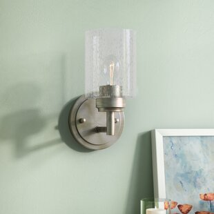 Honea 1-Light Armed Sconce by Latitude Run