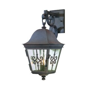 Rey Outdoor Wall Lantern