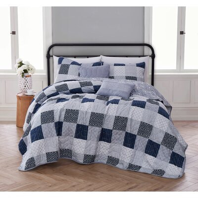 Evangeline 5 Piece Quilt Set Avondale Manor Size: Twin Quilt + 2 Shams + 2 Throw Pillow, Color: Dark Blue