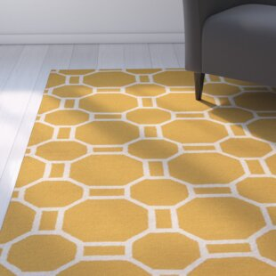 Evangeline Hand-Tufted Gold Indoor/Outdoor Area Rug