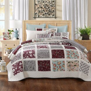 Festive Merlot Burgundy Pines Reversible Quilt Set
