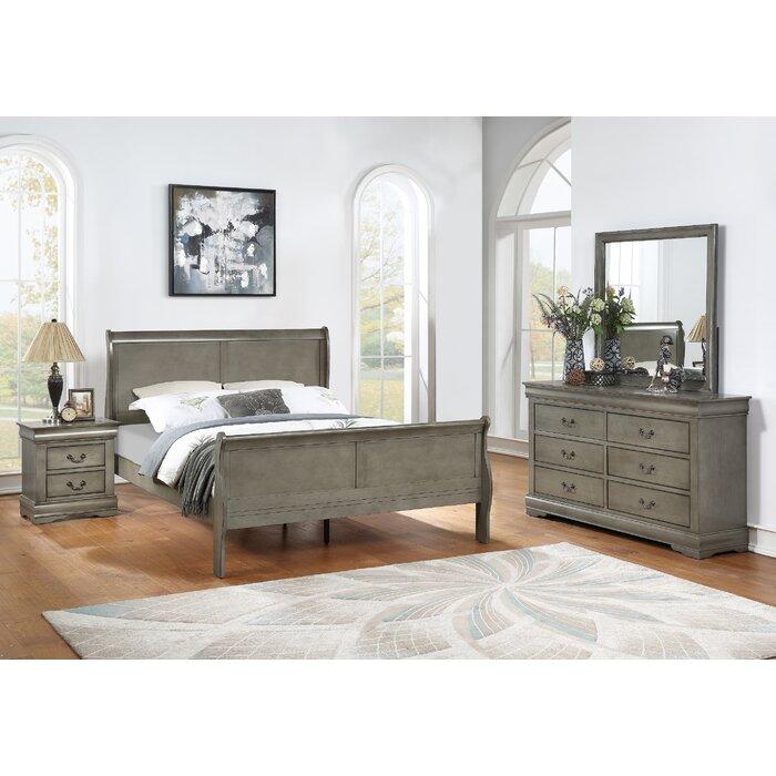 Maclin Louis Philip Queen Sleigh 4 Piece Bedroom Set