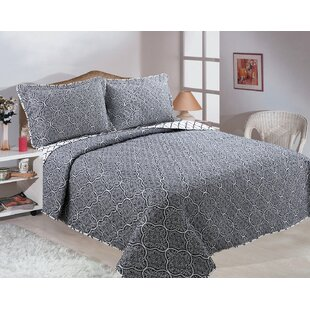 Cardoza Reversible Quilt Set