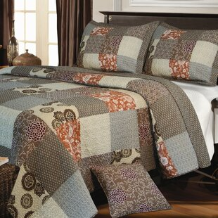 Colella 3 Piece Reversible Quilt Set