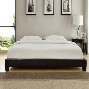 Isa Upholstered Platform Bed