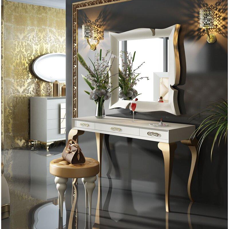 Bedroom Makeup Vanity Set With Mirror
