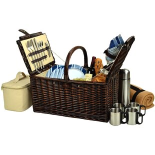 Basket with Blanket and Coffee Flask for Four