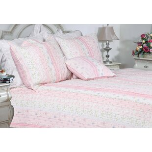 Romantic Chic Lace Quilt Collection