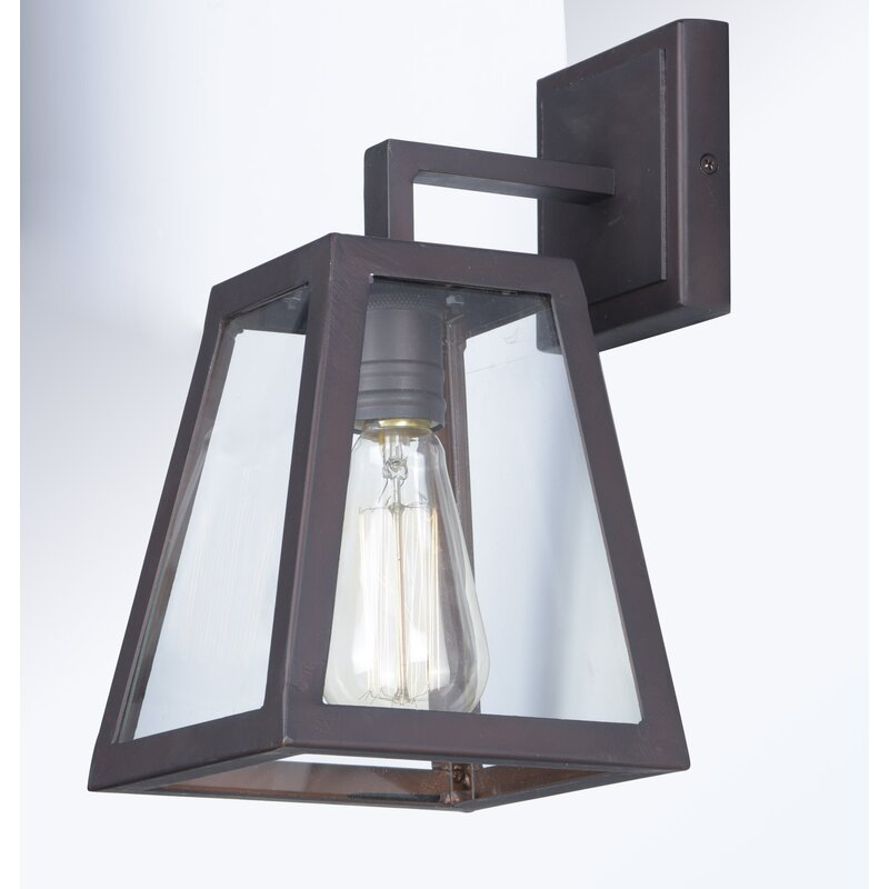Light Traditional Outdoor Wall Lantern