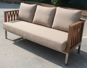 Pledger Sofa With Cushions Image