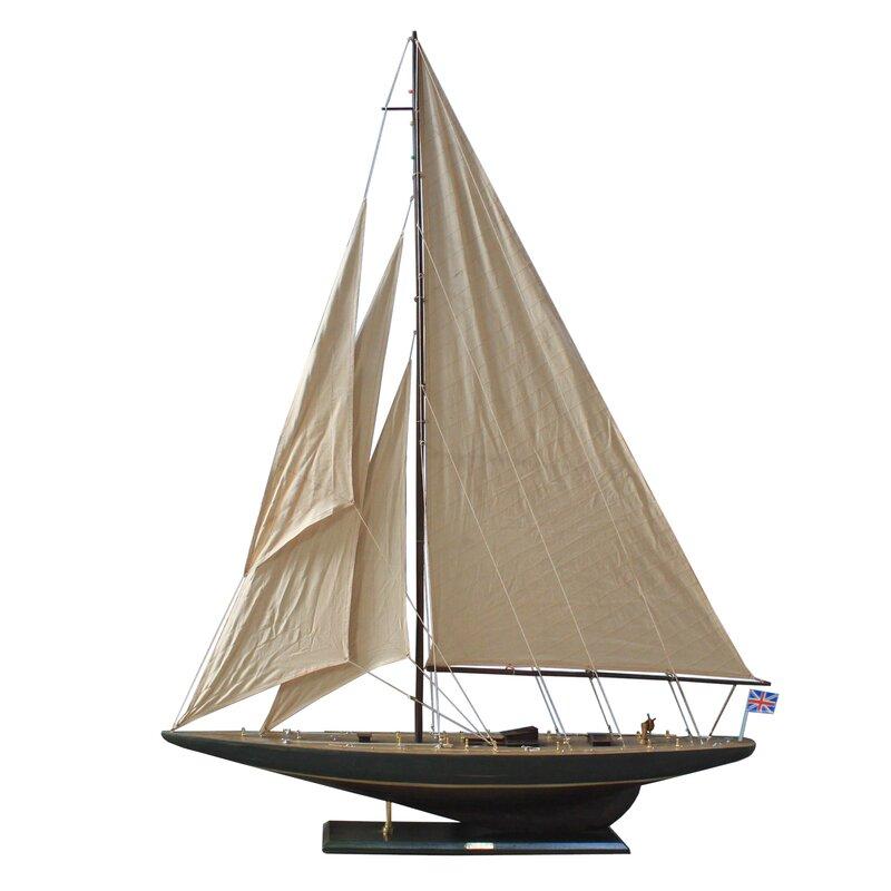 Endeavour Model Yacht