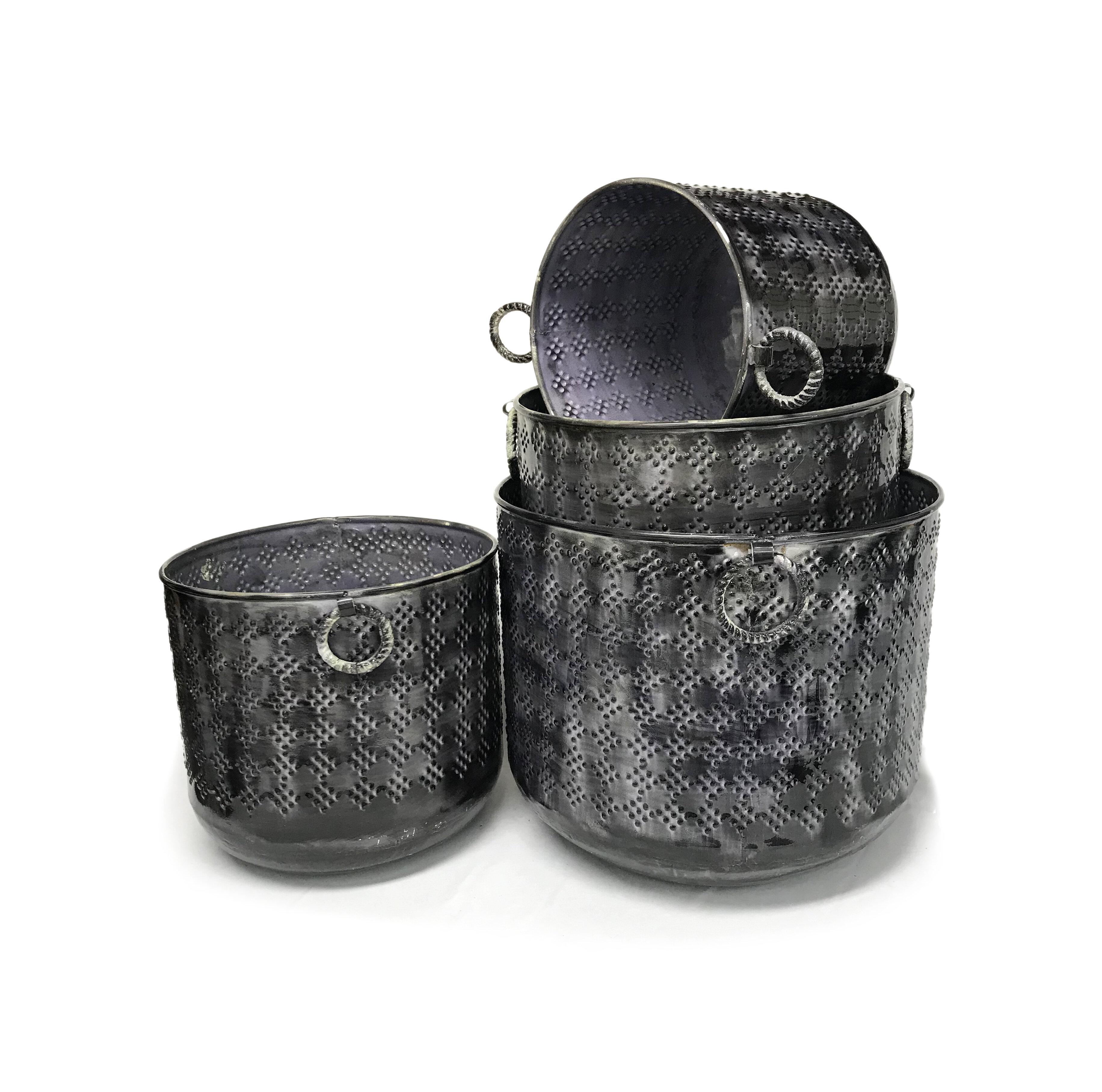 World Menagerie Loftis 4 Piece Metal Pot Planter Set