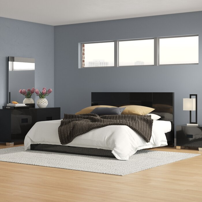 Jayda Platform Solid Wood 4 Piece Bedroom Set