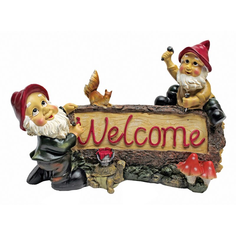 Garden Gnomes Welcome Statue