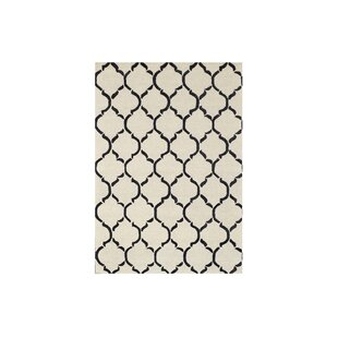Chain Hand-Tufted Black Area Rug by Bakero