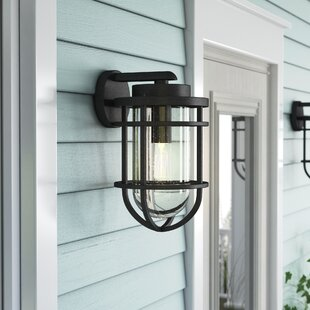 Best Reviews Hobkirk 1-Light 150W Outdoor Wall Lantern By Beachcrest Home