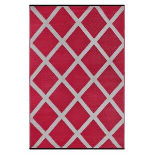 Lightweight Reversible Diamond Red/Light Gray Indoor/Outdoor Area Rug
