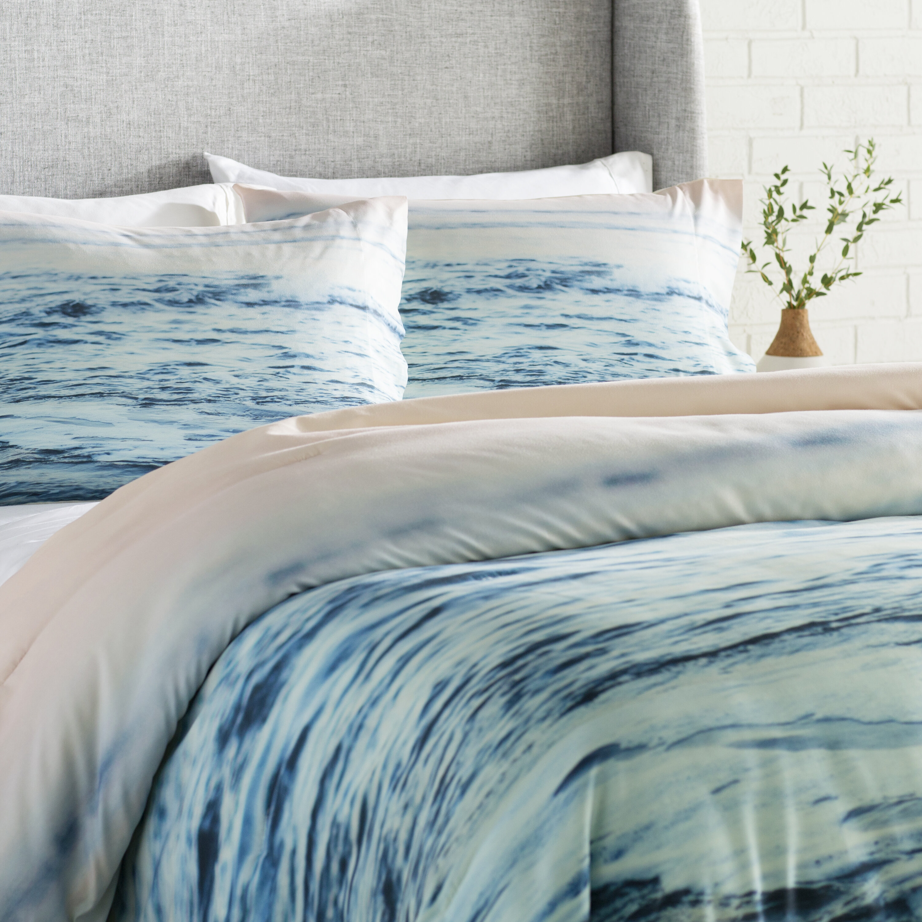 East Urban Home Pacific Ocean Waves Comforter Set & Reviews | Wayfair
