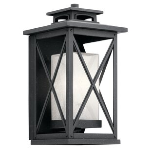 Gracie Oaks Uriel 1-Light Traditional Outdoor Flush Mount