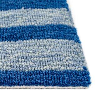 Velva Whalecome Ocean Hand-Hooked Blue Indoor/Outdoor Area Rug