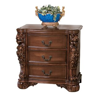 Design Toscano Lord Raffles Lion 3 Drawer Accent Chest
