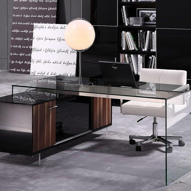 Sale. Computer Desk