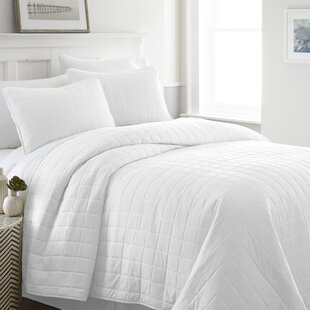 Purvi 3 Piece Coverlet Set