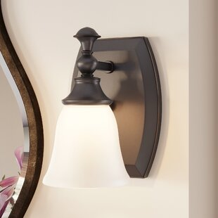 Bettencourt 1-Light Wall Sconce by Charlton Home