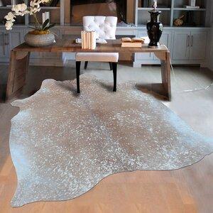 Elegant Luminous Cowhide Gray Area Rug