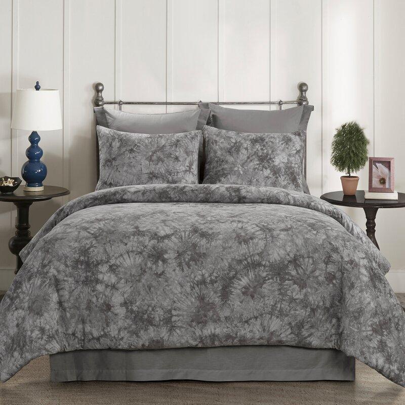 Dakota Fields Claypool Comforter Set