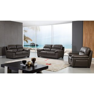Latitude Run Uecker Living Room Collection