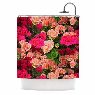 'Geranios' Single Shower Curtain