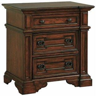 Pinehurst 3 Drawer Nightstand