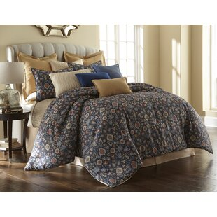 Welch Comforter Set