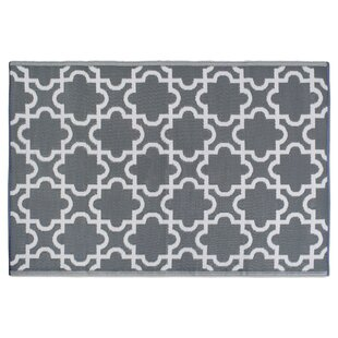 Best Reviews Bair Lattice Gray/White Indoor/Outdoor Area Rug By Charlton Home