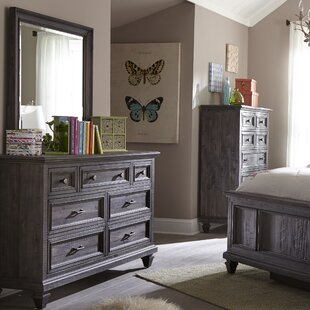 Sanuary 7 Drawer Dresser