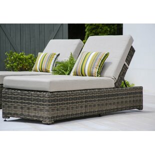 Laurel Foundry Modern Farmhouse Valentin Chaise Lounge with Cushion