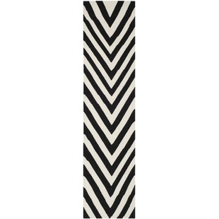 Great deal Dhurries Wool Hand-Woven Black/Ivory Area Rug By Safavieh