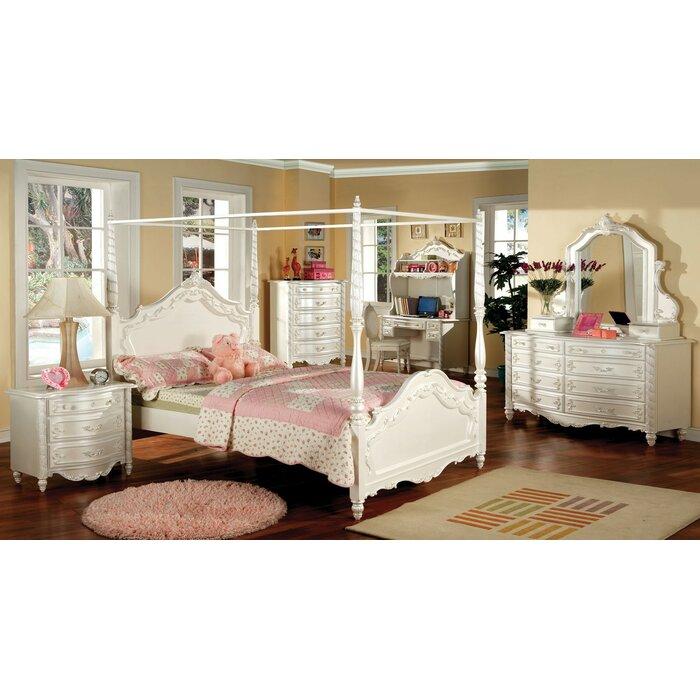 Seligman Canopy Configurable Bedroom Set
