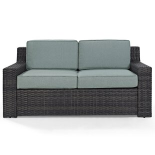 Linwood Loveseat with Cushions