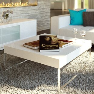 Living Coffee Table with Tray Top