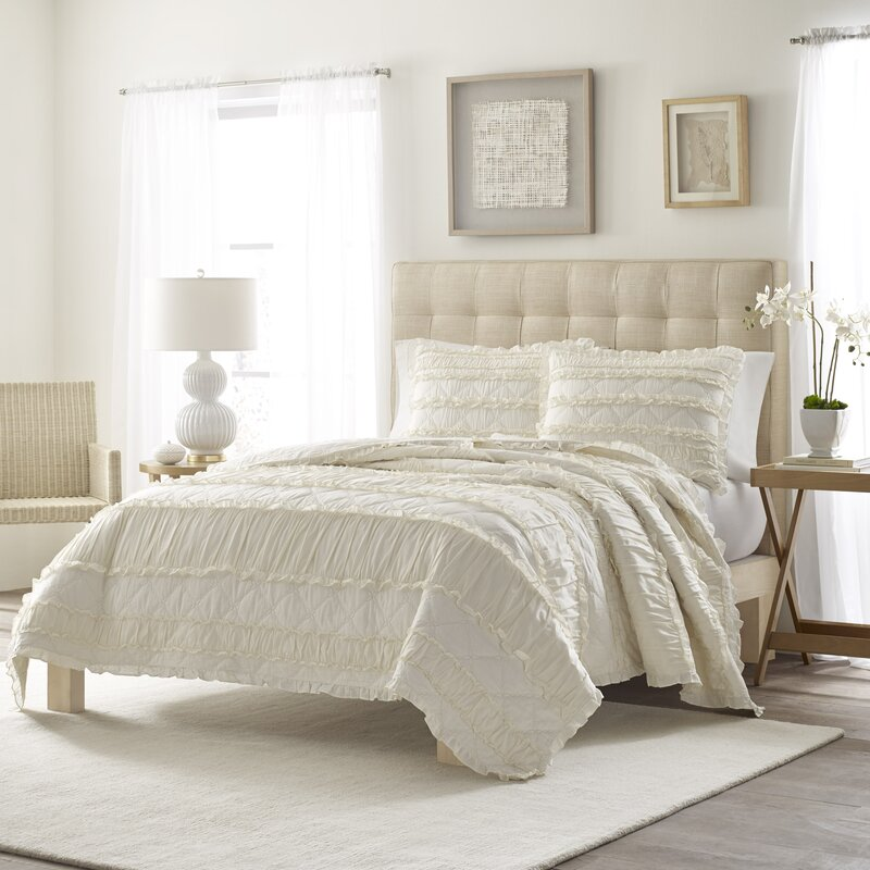 Kirkman Cottage Ruffle Quilt Set with a beautiful neutral ecru tone. #quilts #bedroomdecor #bedding