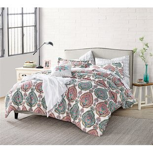 Lynnette Comforter